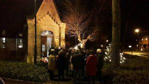 Weihnachtsbaum an der Kapelle @ Kapelle Oberdorf | Kerpen | Nordrhein-Westfalen | Deutschland