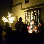 Sonntag wird das erste Adventsfenster geöffnet