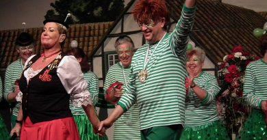 Tosender Applaus für Kostümsitzung der Knollebuure